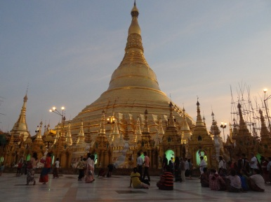 Sunset at famous Shwedagon Paya in Yangon