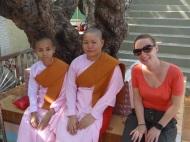 Wir traffen auch Nonnen im Tempel am Mandalay Hill