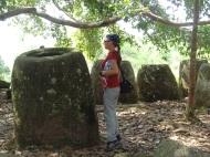 Auf einem Hügel in einem Wald - Jar site 2