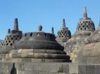 Das berühmte Bild der freiliegenden Buddha-Statue auf dem Borobudur Tempel