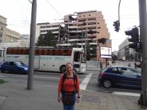 Die 1999 bombardierten Militärgebäude wurden oft noch nicht wiederaufgebaut
