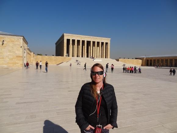 Atatürk Mausoleum in Ankara - warm, aber noch nicht Iran konform gekleidet