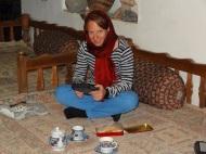 Beim Teetrinken (und Süssigkeiten essen)
