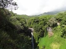 Und noch ein Wasserfall, weil sie so schön sind.